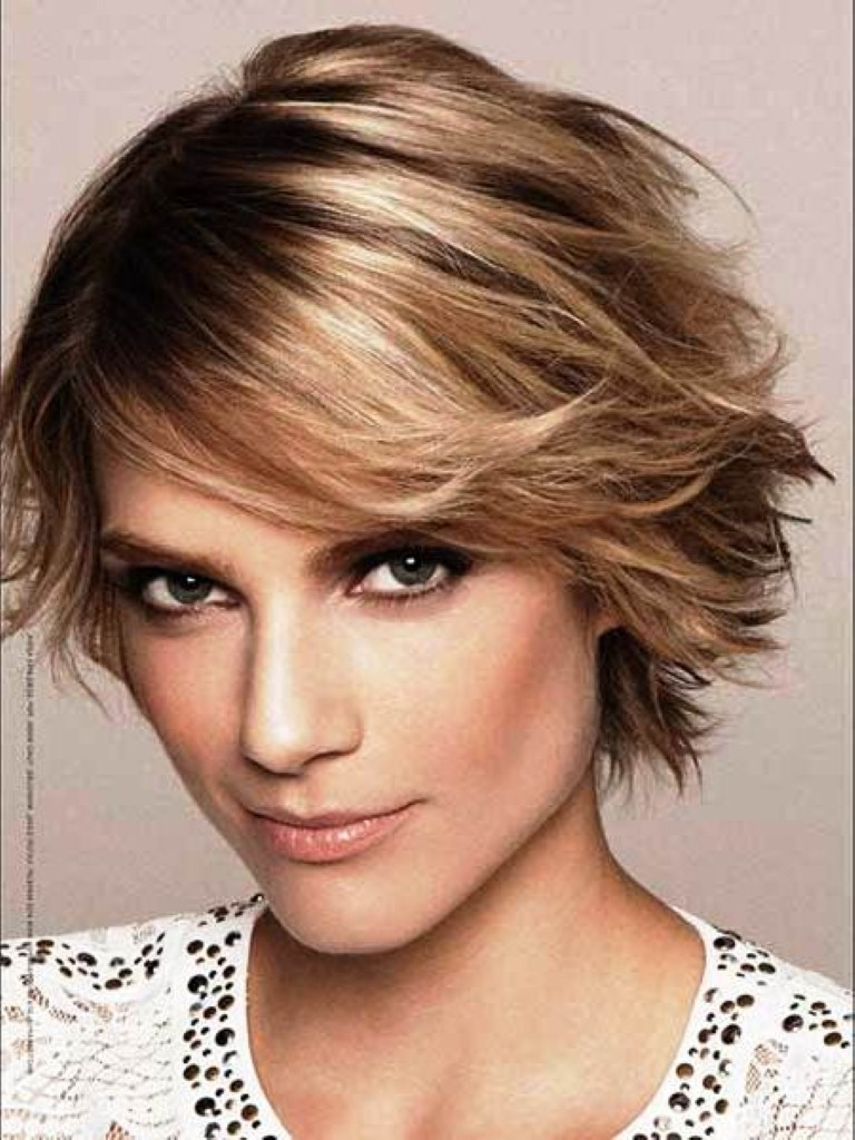 30 fabulous short shag hairstylesShort straight shag
