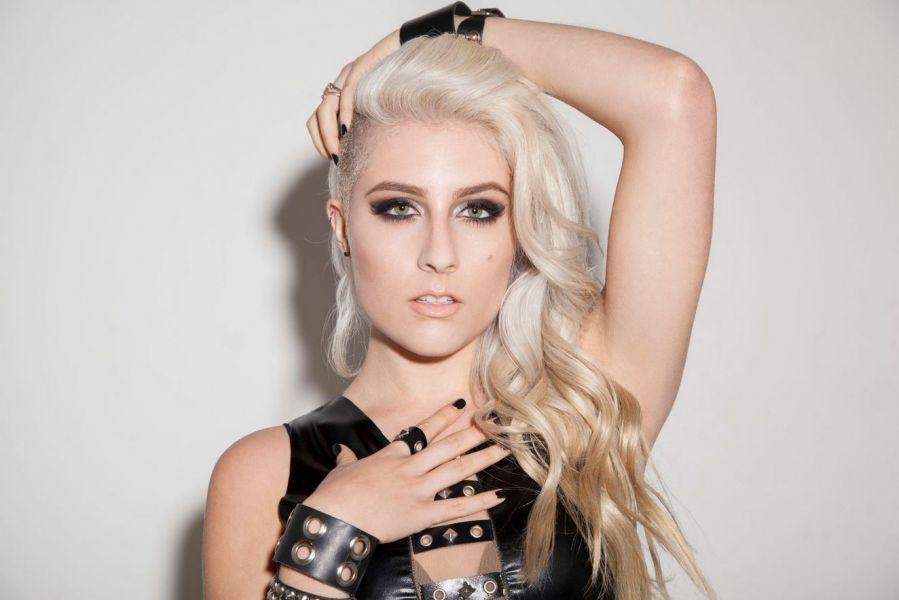Rocker blonde