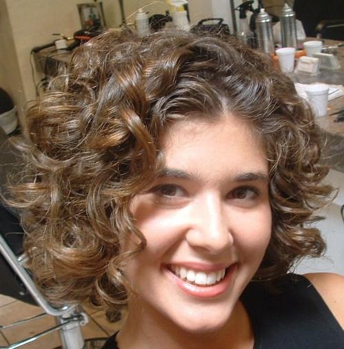 Medium length wavy hairstyles embracing waves