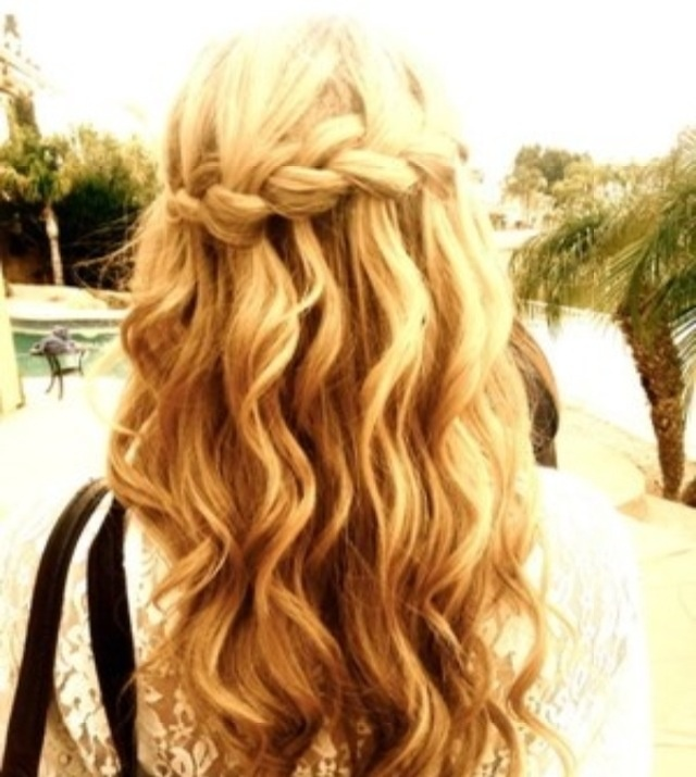 Party Hairstyles Mermaid braids with waves