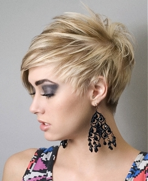 Short Hairstyles for Round Faces Extra short pixie