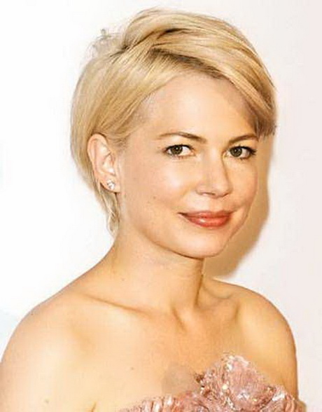 Short Hairstyles for Round Faces Thick short layers
