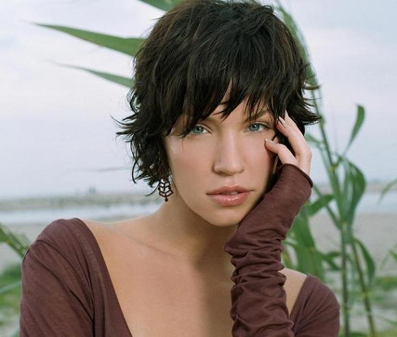 Short layered hairstyles Airy texture