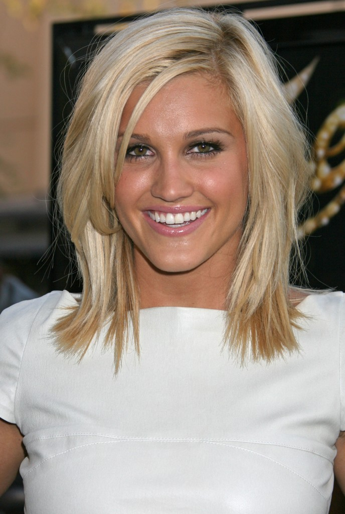 Shoulder length hairstyles Bend lob cut