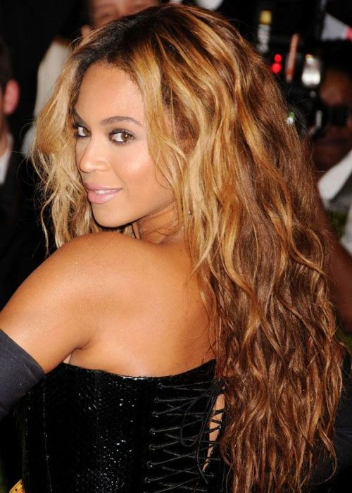 african american long hairstyle Long waves with highlights
