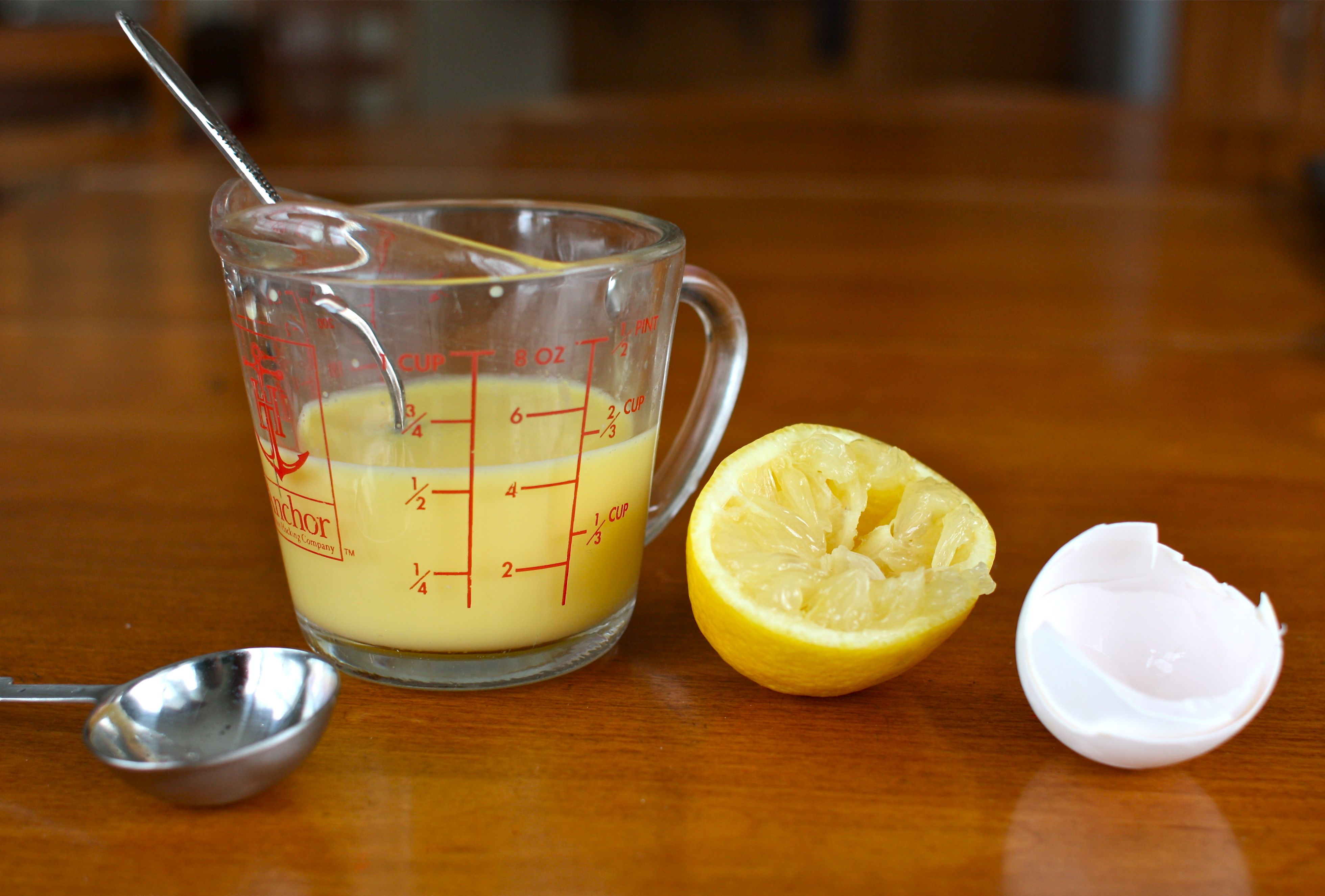 eggs-and-lemon-for-healthy-hair