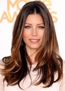 half-up-parted-hair-with-stripped-layers-hairstyle-for-women