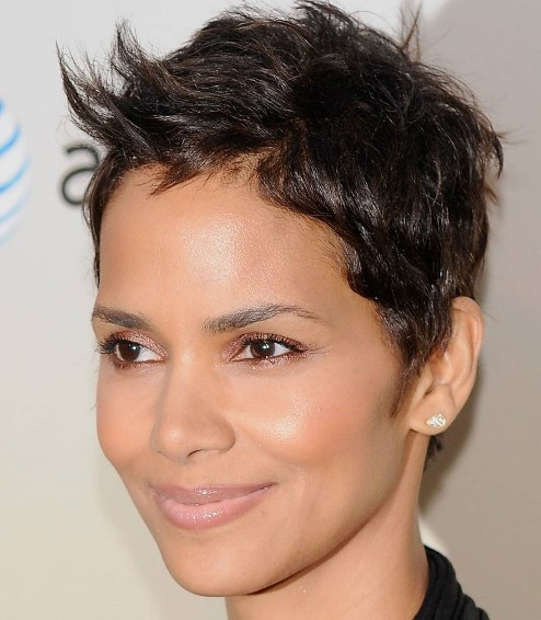 spiked-short-pixie-hairstyle-for-diamond-face