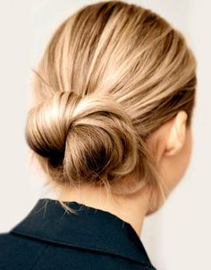 Slight and easy morning hairstyles Loose bun