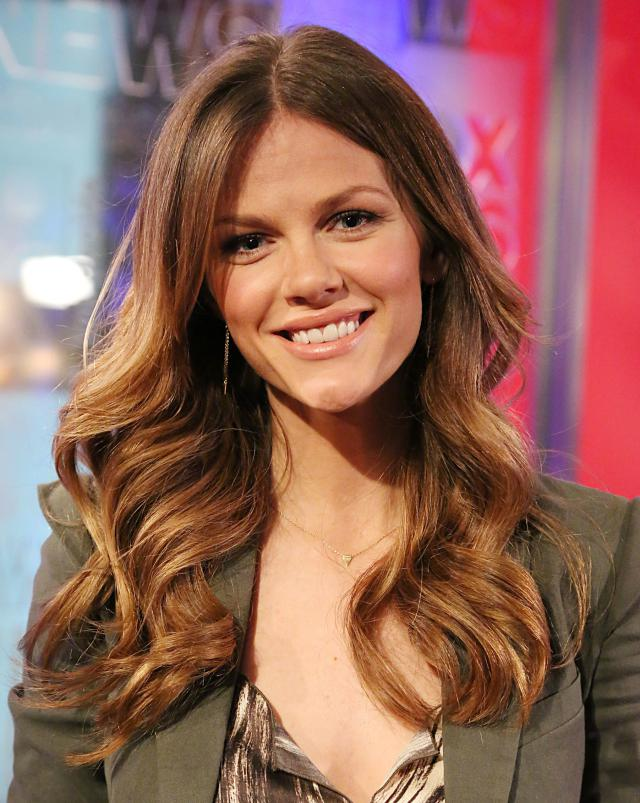 hairstyles for long faces Natural waves