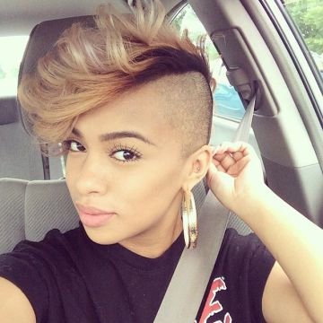 15 Mohawk hairstyles for white women Bleached Mohawk