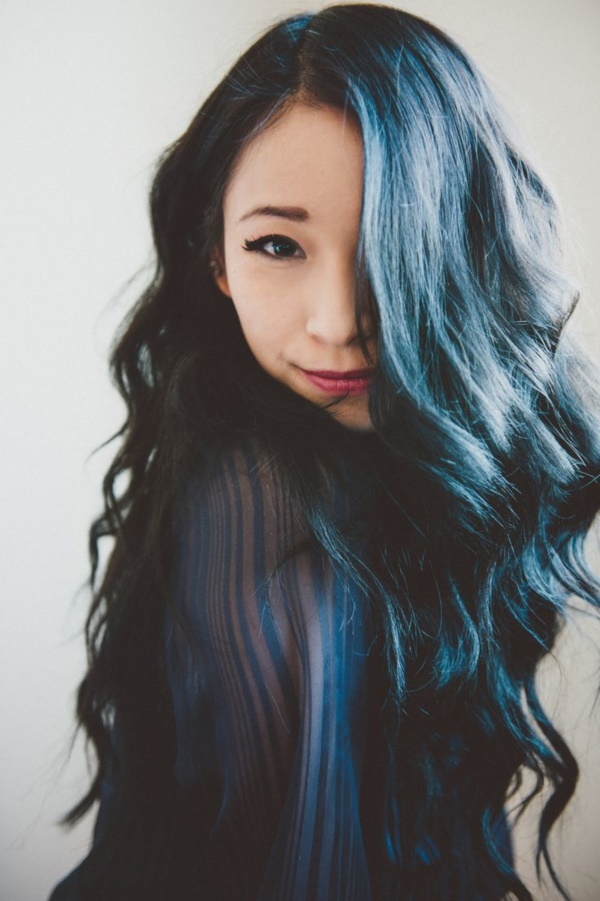 Hair colors perfectly suitable for women above 40 Deep blue