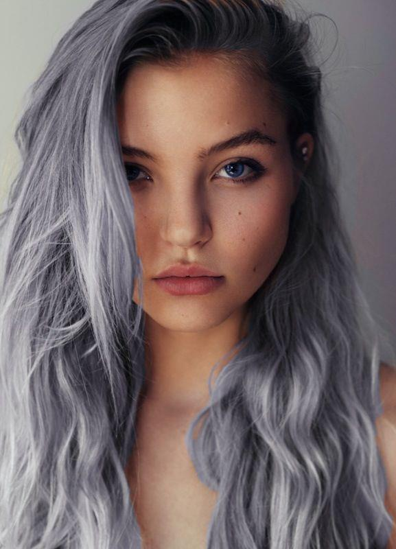 Hair colors perfectly suitable for women above 40 Silver shade with black lining