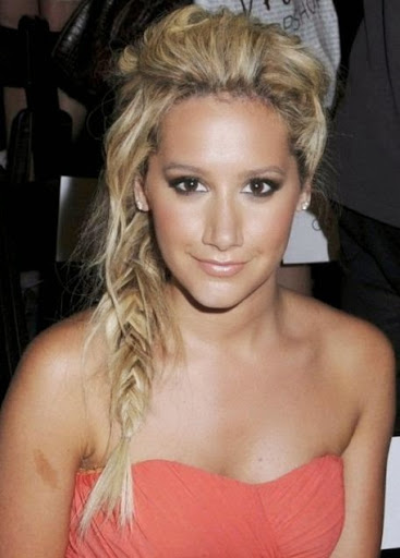 Long Hairstyles for Women in their 20 Fishtail braid