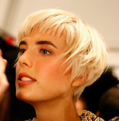 Spicy edgy hairstyles for short hair Edgy blonde cut with highlighted bangs