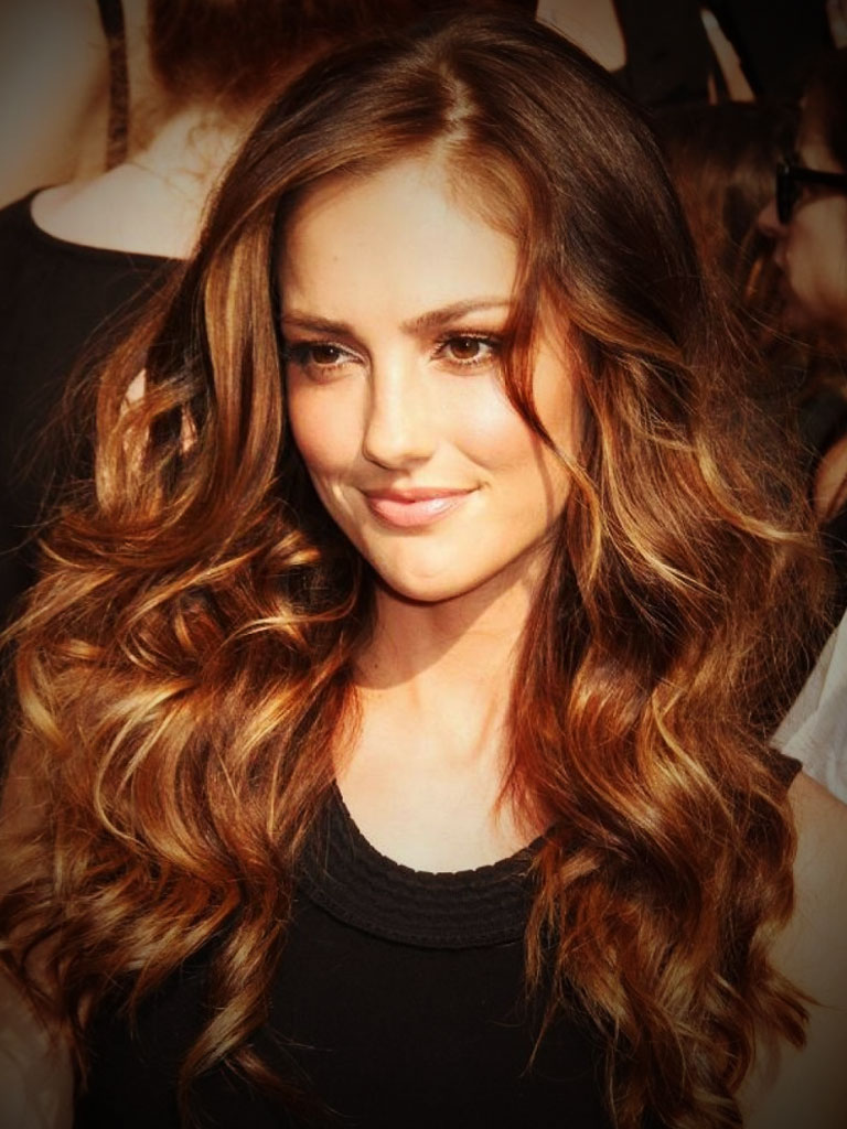brown hair with caramel highlights Glowing brown hair