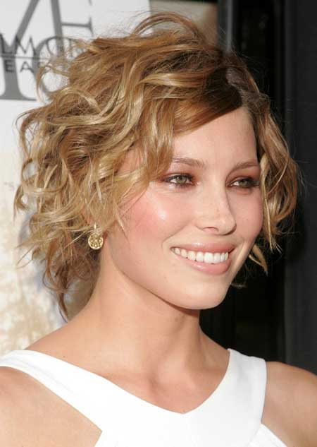 funky short shaggy hairstyles Brunette waves.