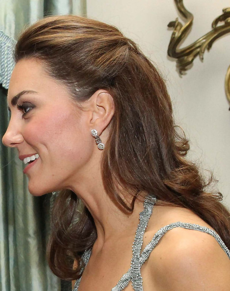 kate middleton hairstyles side pinned