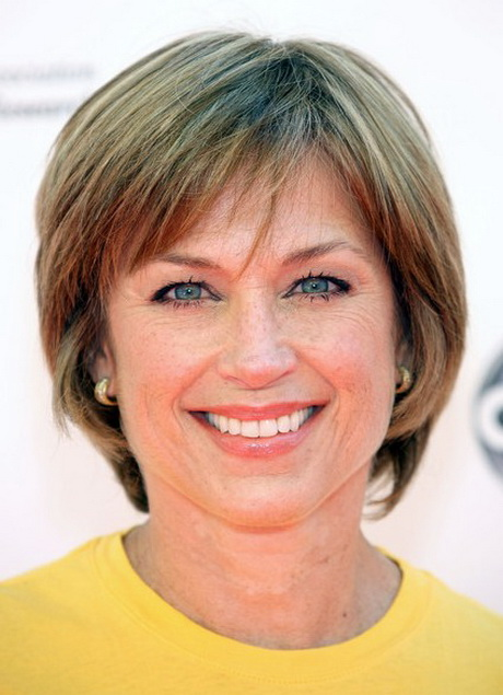 short hairstyle for women over 50 Classic cut
