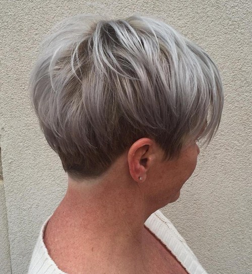 short hairstyle for women over 50 Strong volume