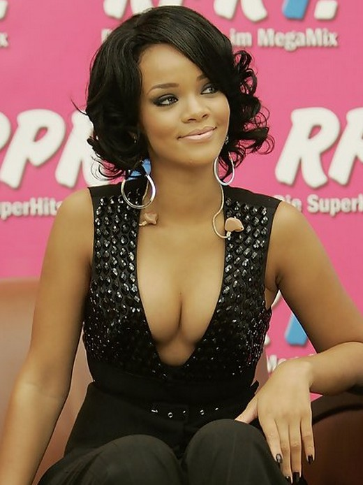 short hairstyles for black women Shapely waves