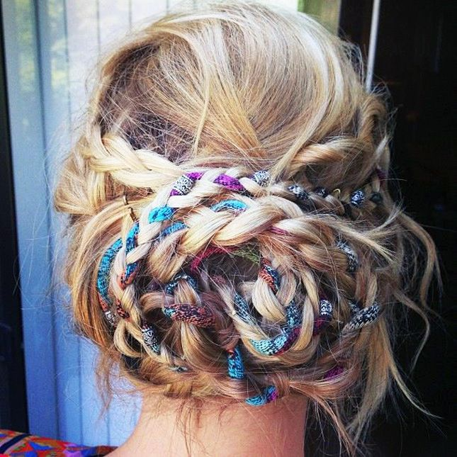 Braided hairstyles suitable for prom night Braid with ribbon