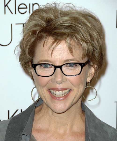 Hairstyles for Women above 50 with Fine Hair and Glasses short shag