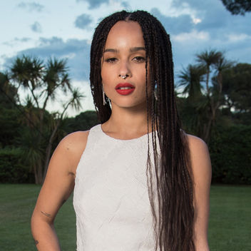 Natural hairstyles by the celebs Zoe Kravitz box braids