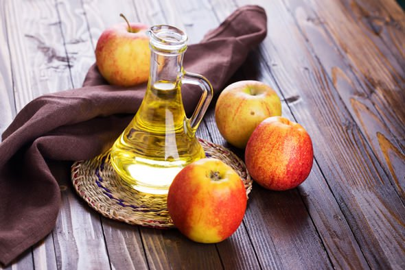 Organic hair treatments for damaged Hair-Apple Cider Vinegar