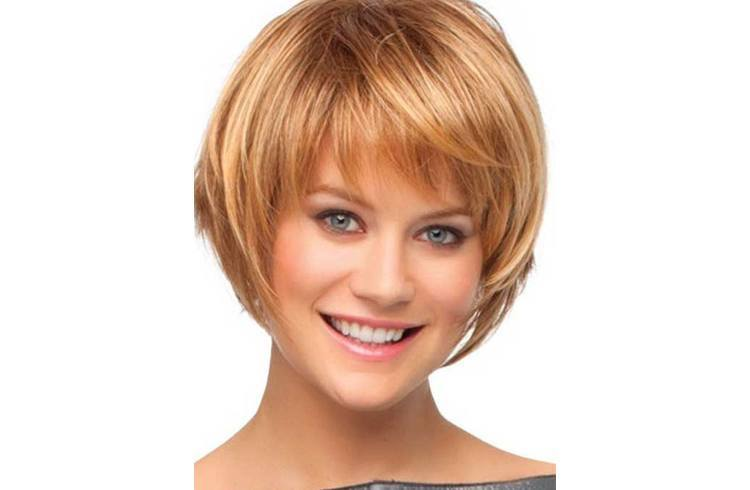 chic short hairstyles for women Flor chic look