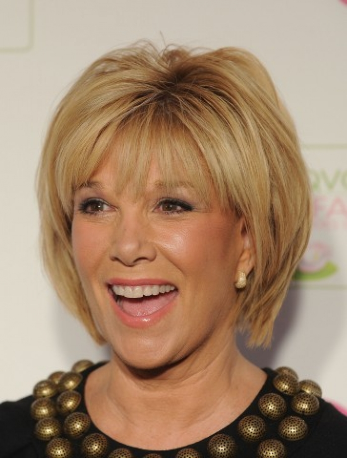 chic short hairstyles for women Mindy chic look