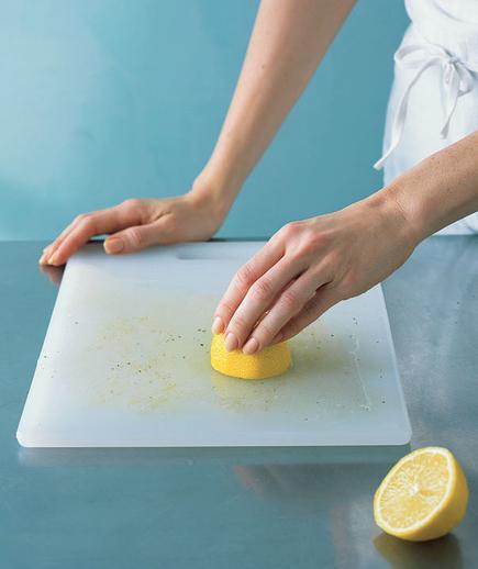 Dye Your Hair with Lemon Juice-lemon juice extract