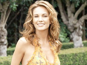 Diane Lane- Beachy Curls - hairstyles for Women Over 50