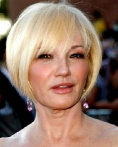 Smooth classy bob - Hairstyles for Women Over age 50