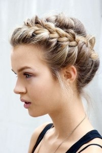 french-braids-hairstyles-for-women-drench-crown-braid