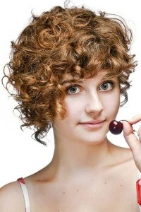 hairestyles-for-girls-wityh-short-hair-Short curled pixie