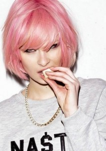hairstyles-for-girls-with-short-hair-Short- Blunt -Bob- with- Pink Shades