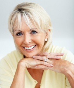 short-hairstyles-for-older-ladies-Short wispy hairstyle with face framing bang