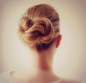 wedding-hairstyle-for-women-with-long-hair-infinity-knot