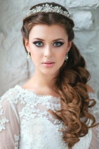 wedding-hairstyles-for-curly-hair- with a Bouffant and Bridal Veil