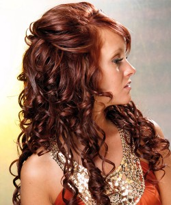 wedding-hairstyles-for-women-with-curly-hair- Half up Long Curly Hairstyle