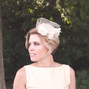 wedding-hairstyles-for-women-with-short-hair-pix-hat-for-pixie-cut