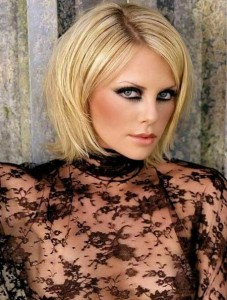 Charlize-Theron-Pixie-Cut-with-Side-swept-Bangs