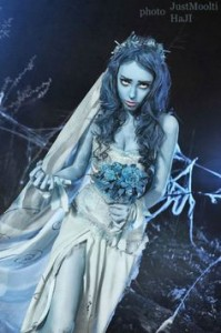 HALOOWEEN-HAIRSTYLE-FOR-LITTLE-GIRLS-Corpse bride