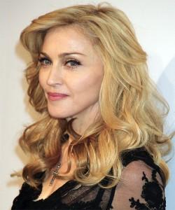 Madonna-long-layered-curls