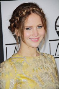braided-bang-hairstyle-for-women-with-round-faces