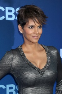 hairstyle-for-round-face-Pixie with tapered side burns