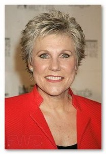 hairstyles-for-women-above-60-short-wispy-cut