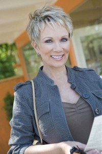 hairstyles-for-women-over-60-sassy-pixie