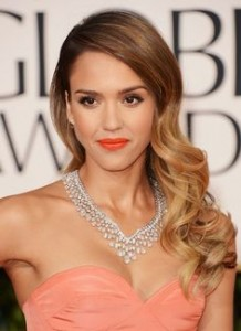red-carpet-hairstyle-side-swept-with-layers